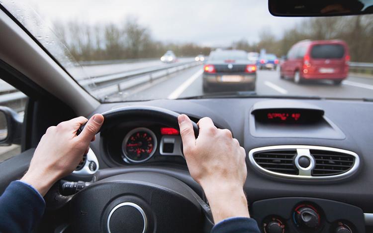 Top 5 Dịch vụ thuê tài xế lái xe chuyên nghiệp và uy tín ở Hà Nội -  AllTop.vn