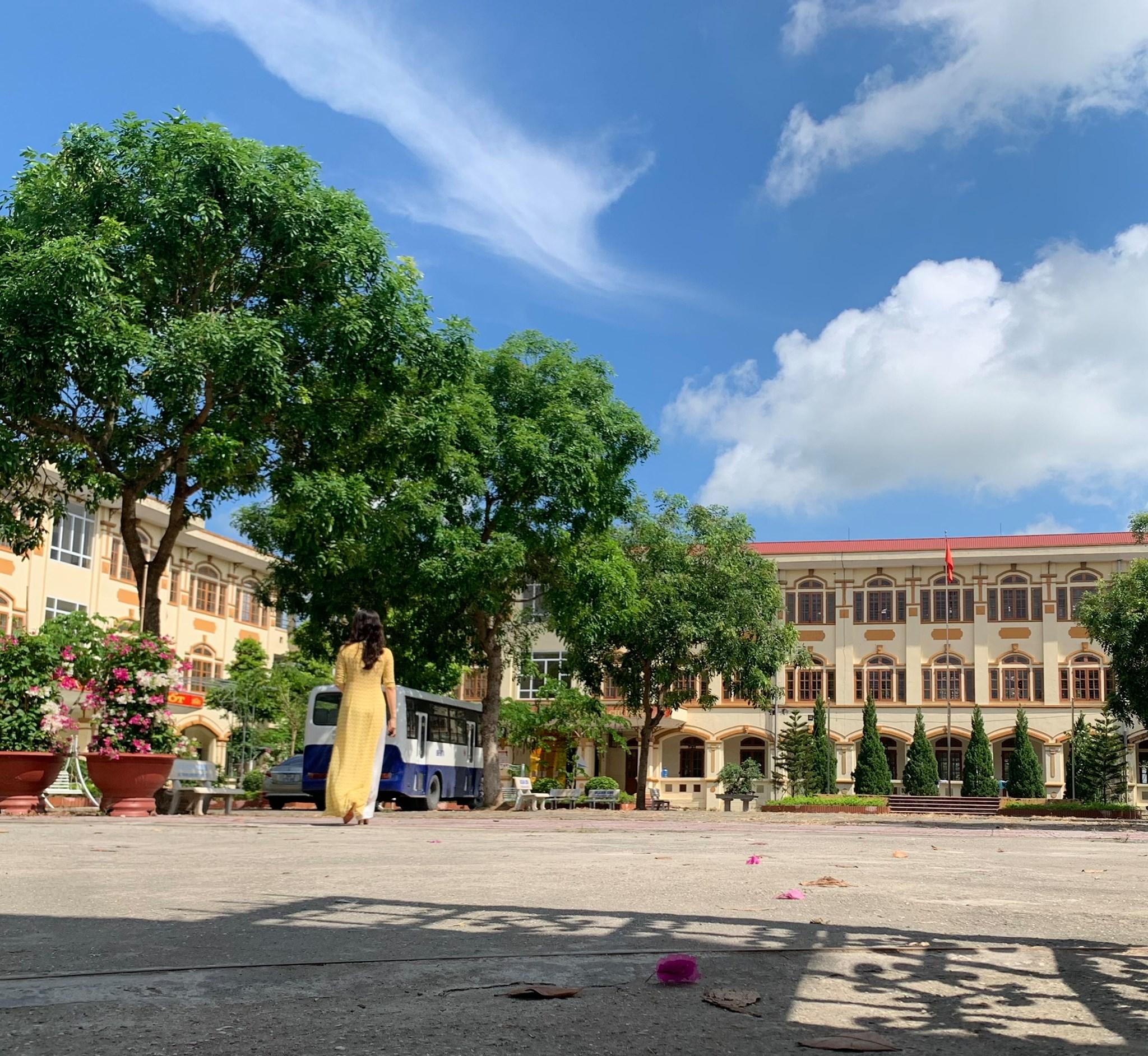 Trường THCS Vũ Hữu